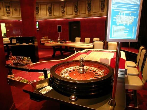 Визави днепропетровск казино казино аппараты бесплатное онлайн без регистрации