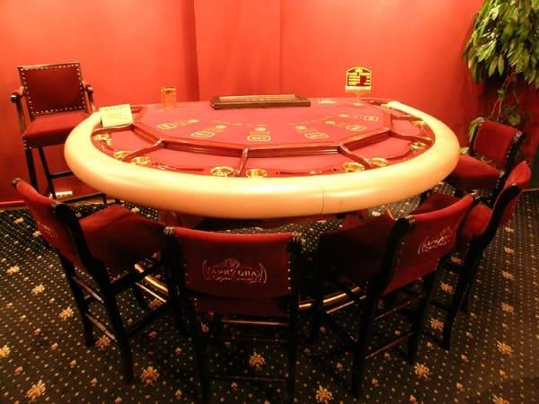 Ройал казино херсон как играть в покер онлайн на деньги